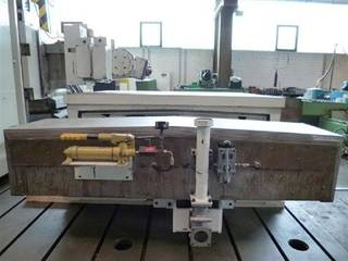 Mecof HVM 5000 Frezarka Bed-10