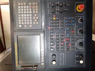 Tokarka Hwacheon Hi Tech 700 MC-5